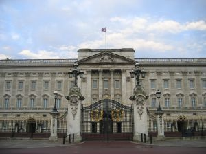 Buckingham Palace - gate. Fot. sxc.hu